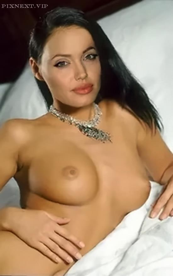 (46) SEXY YET ELEGANT ANGELINA JOLIE SEXY PIC TITS & NIPPLES PICS WITH PUSSY EXPOSED